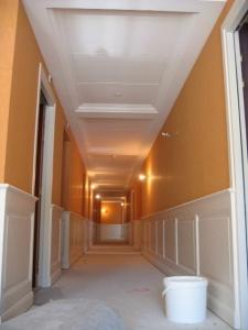 Travaux staff & startistaff dans un couloir, Hôtel Princesse Flore de Royat