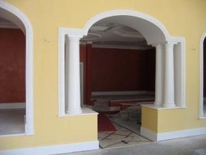 Passage avec colonnes, http://www.staffdecor.fr/agencements/passages-23.html, Hôtel Princesse Flore de Royat