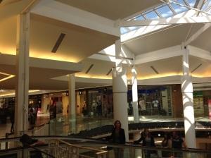 2013 : rénovation du centre commercial inauguré en 1990 !