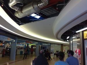 Rénovation du centre commercial de la Toison d'Or de Dijon: Une réalisation Staff Baumann.